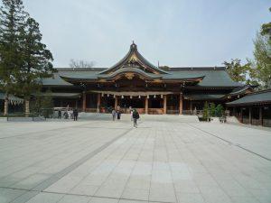 寒川神社 広い境内